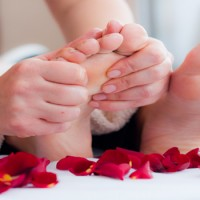 Romantic-Foot-massage